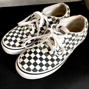 Vans Checkerboard Skate Shoe Size 3.5 Y